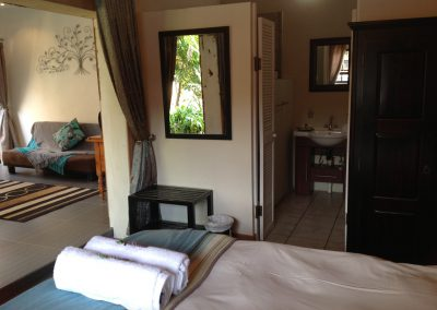 Fynbos-Bedroom-guest-house-house-on-york
