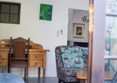 Fynbos-desk-guest-house-house-on-york