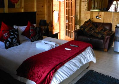 Marula-main-log-cabin-bed-and-breakfast-house-on-york
