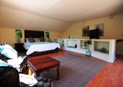 big-morning-hill-unit-guest-house-Bedroom-1