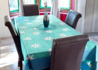unit-1-royal-oak-guest-house-dining-area