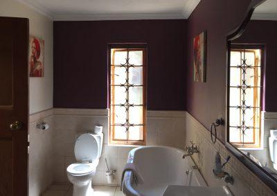 unit-2-royal-oak-cottage-bathroom-lux-cottaage